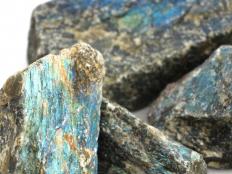 Labradorite Rough Stones - 1 lb